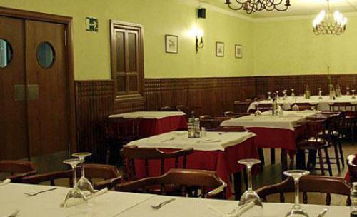 Restaurante. Las Judias con liebre y los Garbanzos con rabo de toro, mejor puchero de Toledo