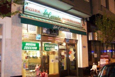 Pizzería Bocatería La Corrala